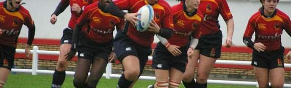 ¿Chicas jugando al rugby?